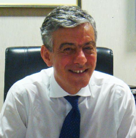 La Cardiochirurgia dell'Ospedale San Camillo ha il suo inizio nel 1968 con l'arrivo del Prof. Guido Chidichimo. Sotto la Sua direzione, dal 1968 al 1981, ... - 20130503-211800_prof